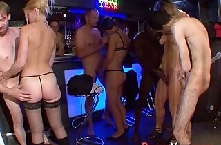 Orgy in the basement of a house! French amateur xxx tube video