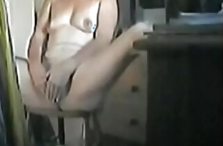 Finally I caught my mum masturbating xxx tube video