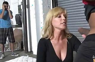 My hot mom going black xxx tube video
