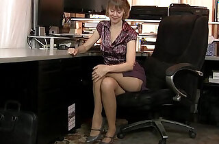 American milf Jamie Foster gets turned on in pantyhose xxx tube video