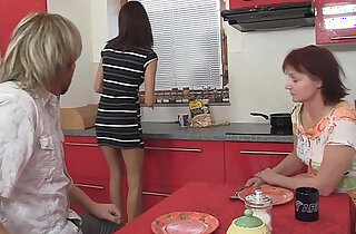 Dinner leads to family threesome xxx tube video