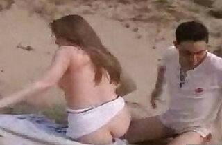 Gettin Pussy on the Beach hard porn xxx tube video