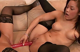 Two girls having sex on the couch xxx tube video