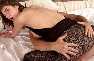 Amateur chick in pantyhose fucking and sucking rod xxx tube video