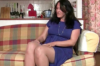 British granny works her pantyhosed old pussy xxx tube video