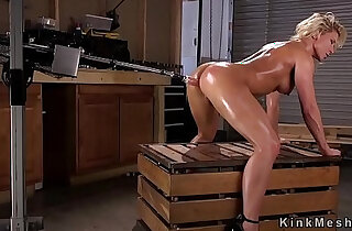 Busty blonde gets a good fucking machine in ass xxx tube video