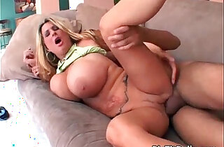MILF playing with enormous boobs gets cunt xxx tube video