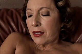 Gorgeous granny with nice tits fucks her juicy pussy for you xxx tube video