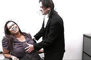 Married boss seduces his fat ebony secretary xxx tube video