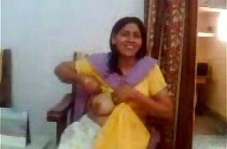 Bhabhi Showing her big Boobs To Devar xxx tube video