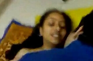 SHY INDIAN GIRL HAVE A QUICK SEX xxx tube video