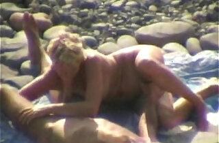 Beach voyeur amateur oral sex xxx tube video
