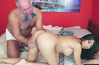 Mexican Frida Sante enjoys to suck and ride on an old cock xxx tube video