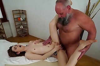 Older man fucks younger massage client xxx tube video