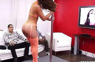 Fat booty babe kelsi monroe dancing and fucking xxx tube video