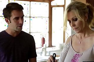 Stunning stepmom spreads legs for stepson xxx tube video