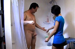 Helping Daddy Shower xxx tube video