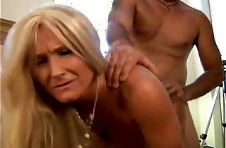 Glamorous grandma enjoys a sloppy rimjob xxx tube video