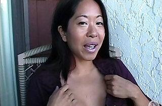 Asian Mame flashing boobs on a balcony in Canada xxx tube video