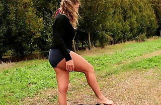 TheVoyeur Barefoot Licking in the Outdoor xxx tube video